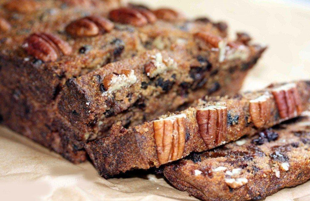 Кекс с черносливом и бразильским орехом