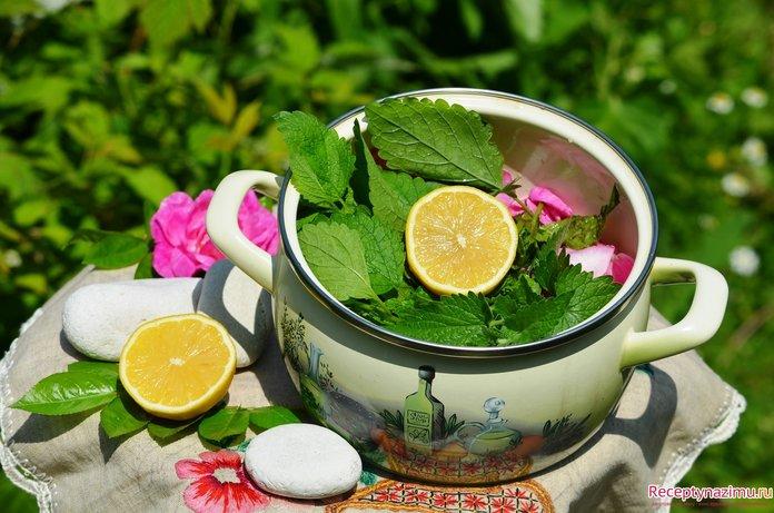 Отвар с мелиссой и лимоном