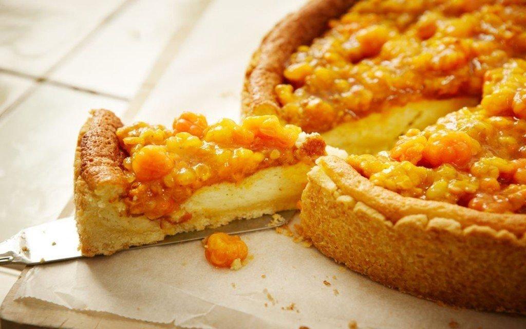 Рецепт классического пирога с морошкой
