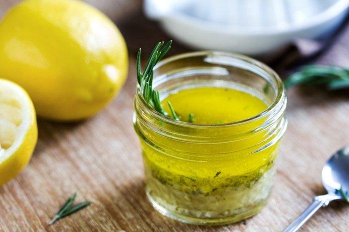 Классическая заправка из лимона и оливкового масла