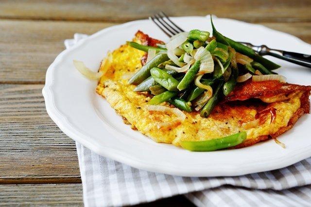 Омлет из топинамбура с зеленой фасолью