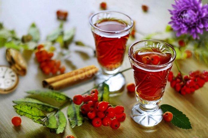 Рябиновая настойка на спирту