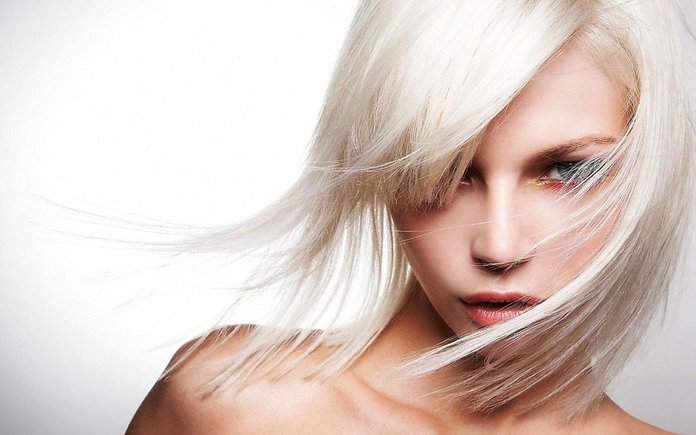 Как осветлить волосы в домашних условиях народными методами?