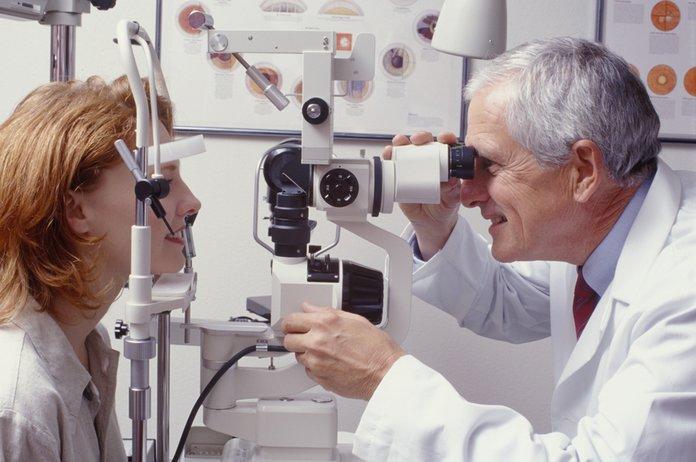 Диагностика катаракты с помощью биомикроскопии
