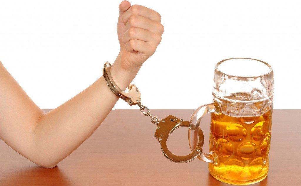 Как вылечить алкоголизм в домашних условиях без