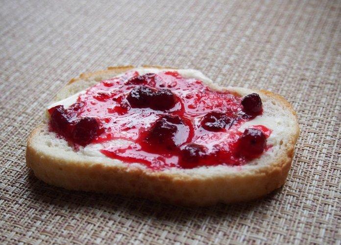 Варенье из брусники: источник глюкозы
