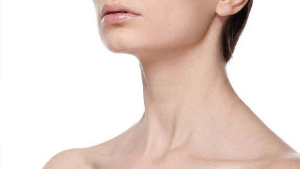 Почему появляются папилломы на шее и как их удалить
