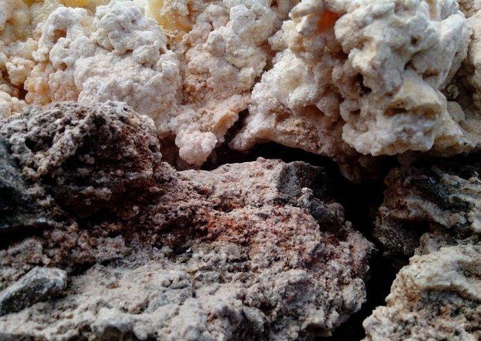 Неочищенное каменное масло противопоказано к применению