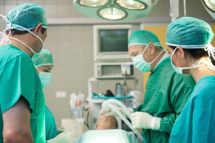 Оперативное вмешательство - метод лечения лоаоза