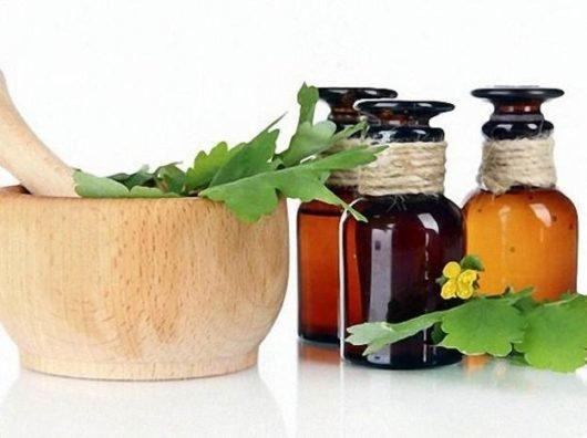 Помогает ли чистотел при псориазе