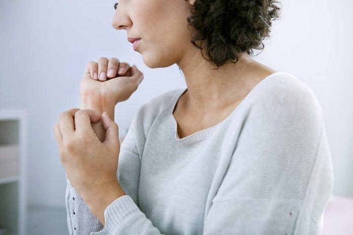 болезнь псориаз причины возникновения и лечение