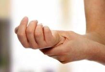 Жировик на руке лечение — как избавиться от липомы?