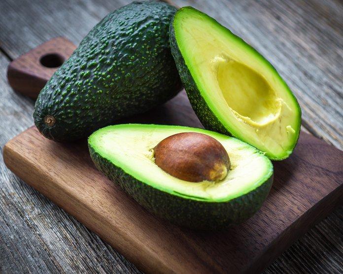 Первый урожай авокадо