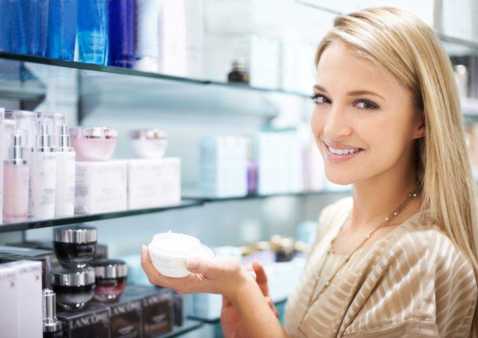 Косметические средства для ухода за кожей вокруг глаз