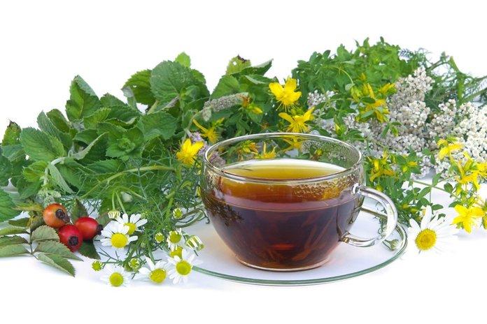 Чай из пол-палы, ромашки и шиповника