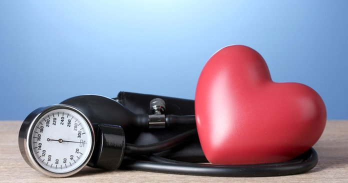 Как понизить давление в домашних условиях?