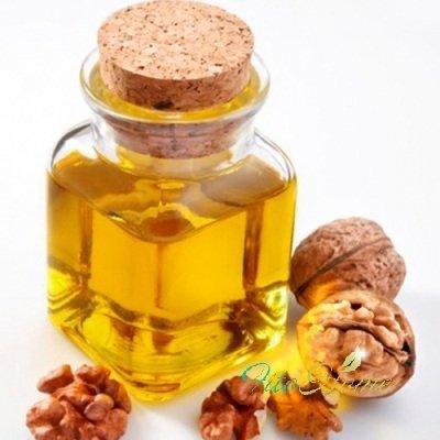 косметика и масло грецкого ореха
