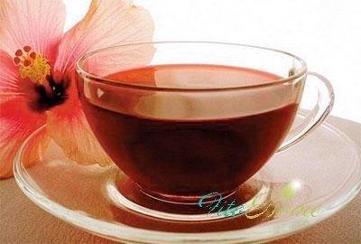 приготовление холодного напитка из гибискуса