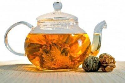 чай с календулы достаточно полезен