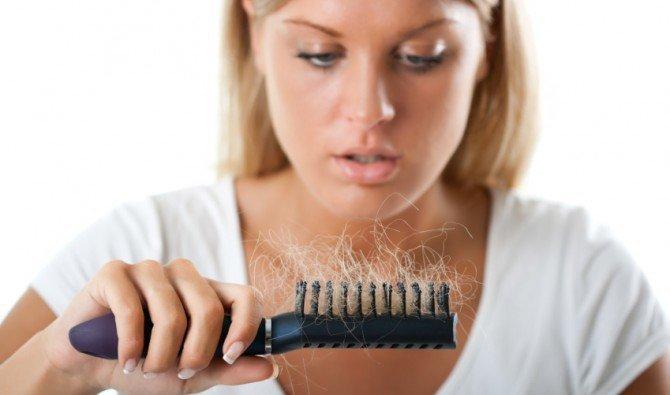 Причины выпадения волос у женщин после 50 лет и лечение
